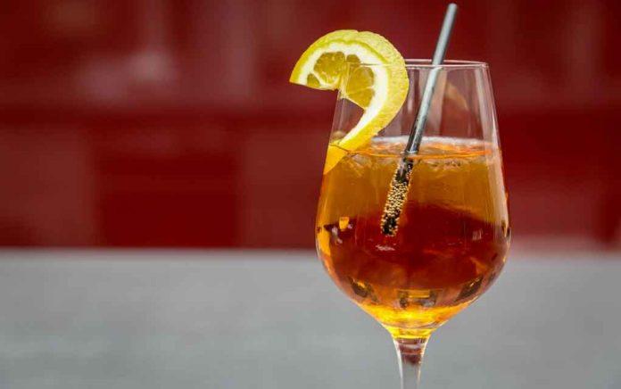 Wloskie-aperitivo-jest-takie-wyskokowe