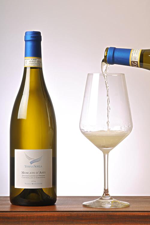Degustacja wina - Moscato d'asti
