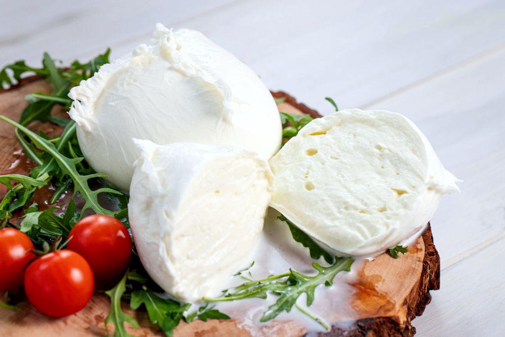 włoski ser mozzarella di bufala