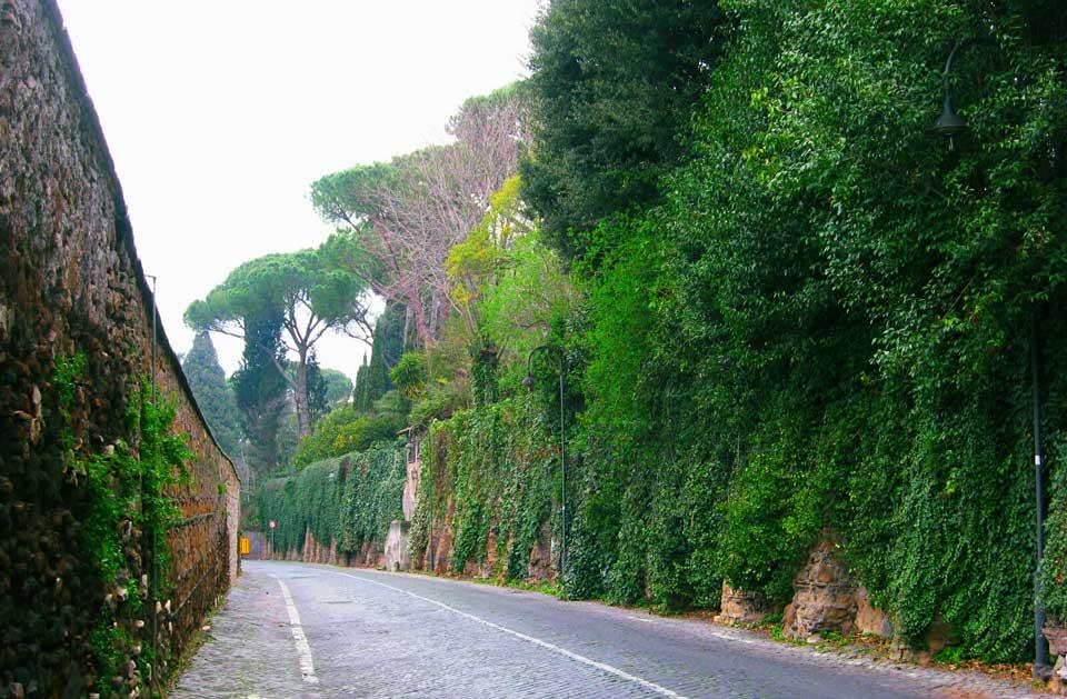 Obejść Rzym dookoła spacerem wzdłuż murów Rzymu