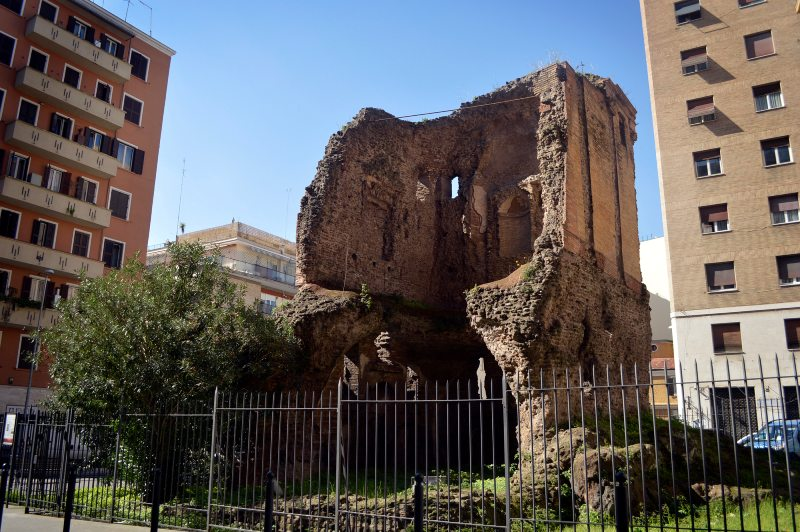 rzym nietypowe miejsca krzesło diabła