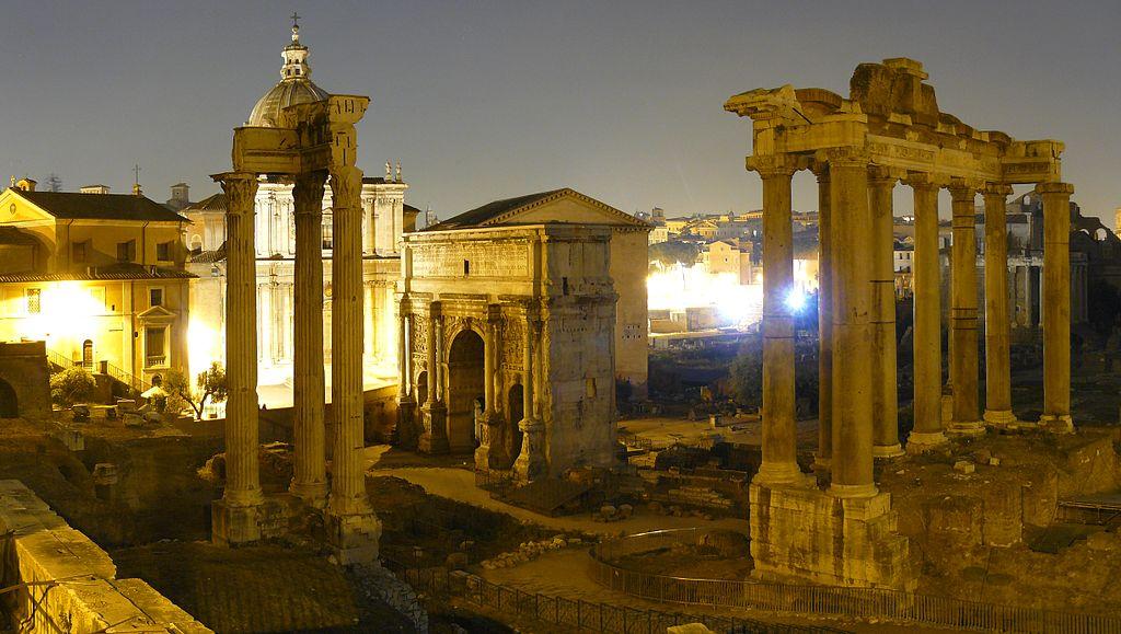 forum romanum rzym nocą co robić