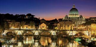 rzym nocą