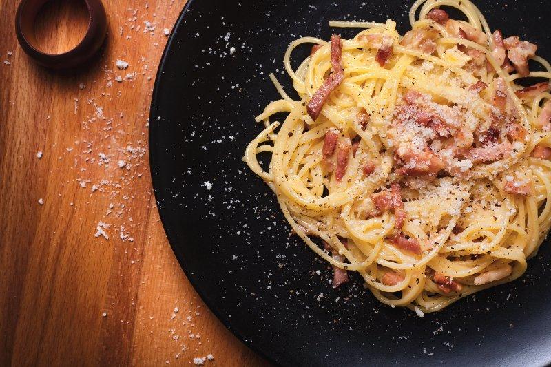 carbonara najpopularniejsze sosy do makaronu