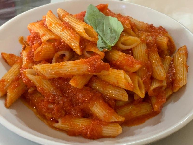 penne all'arrabbiata włoskie sosy do makaronu